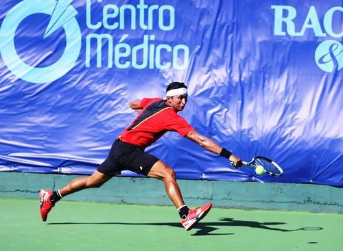 El tenista nacional, Christopher Díaz, ganó su primer juego Tigo Star Open 2015.