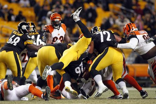 Una de las acciones del encuentre entre los Steelers de Pittsburgh y los Bengals de Cincinnati. (Foto: Justin Aller/AFP)
