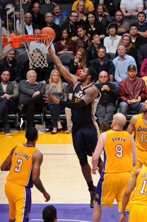 Los Lakers cayeron de nuevo como locales en el Staples Center, esta vez ante los Jazz de Utah. (Foto: Andrew D. Bernstein/AFP)