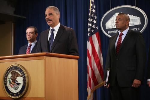 El Fiscal General de Estados Unidos al dar a conocer la sanción impuesta a la compañía fabricante de vehículos Toyota. (Foto: AFP)