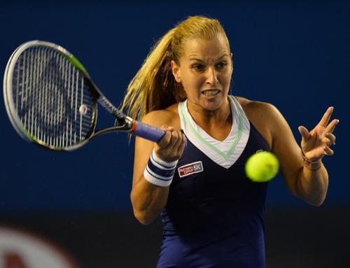 Dominika Cibulkova durante el segundo set del juego ante Na Li. (Foto: Saeed Khan/AFP)