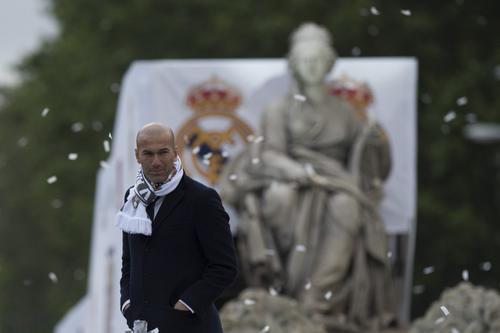 Zidane es elogiado por ganar la Undécima copa de Europa, y se recordó que cuando jugó para los merengues fue vital para ganar la novena. (Foto: APF)
