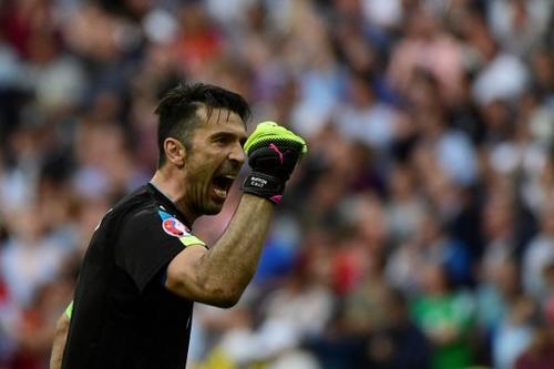 Buffon es otro de los jugadores que llegan con el límite de las amarillas. (Foto: AFP)