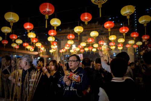 Las medidas dispuestas por el gobierno chino responden en buena medida a la grave contaminación ambiental que se registra en China desde hace varias semanas. Foto AFP