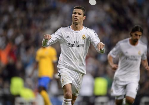 Cristiano Ronaldo es el jugador mejor pagado en el Real Madrid, con un sueldo anual neto de 17 millones de euros. (Foto: Dani Pozo/AFP)