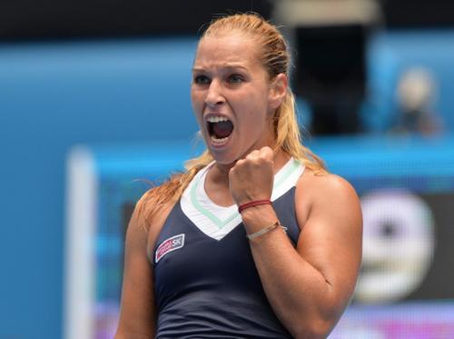 La  tenista eslovaca Dominika Cibulkova superó a su par, la rusa María Sharapova en el abierto de Melburne. (AFP)