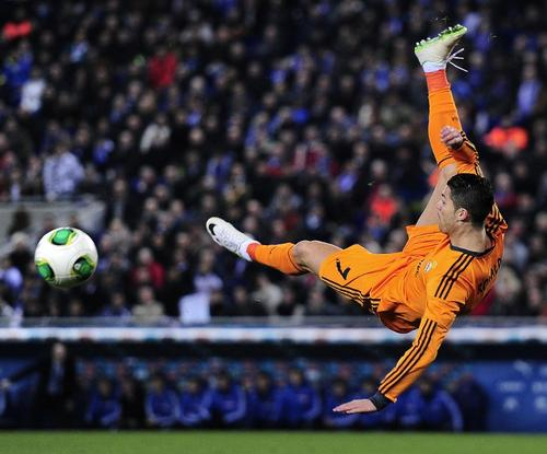 Cristiano Ronaldo estuvo de nuevo con la pólvora mojada y salió del estadio Cornellá-El Prat sin poder anotar. (Foto: Josep Lago/AFP)