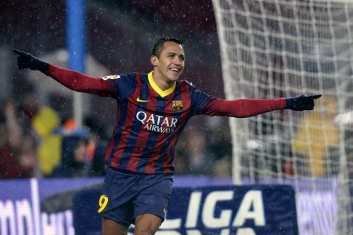 Alexis Sánchez anotó 2 goles entre el minuto 50 y 52 en el juego entre el Barcelona y el Espanyol. (Foto: Lluis Gene/AFP)