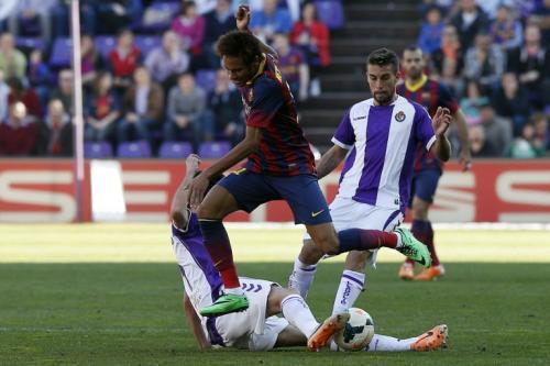 Neymar sigue sin aportar mucho al FC Barcelona que ahora vive una crísis futbolística. (Foto. AFP)
