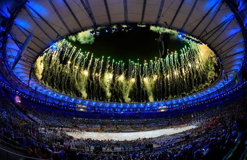 Imagen de los fuegos artificiales en el Estadio Maracaná. (Foto: AFP)