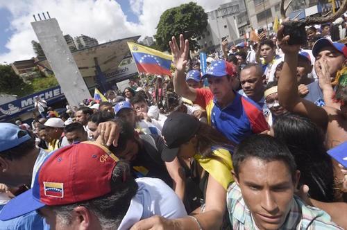 Henrique Capriles, líder de la oposición, en la marcha de este primero de Septiembre. (Foto: AFP)