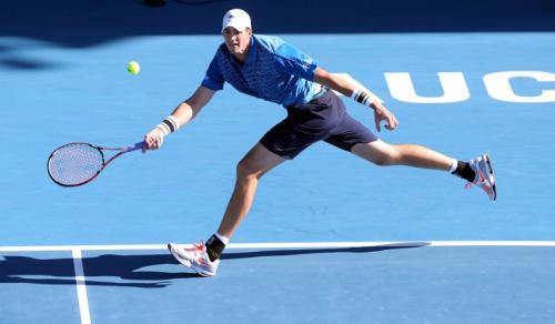 John Isner es el favorito en Auckland y podría obtener su octavo título ATP. (Foto: Michael Bradley/AFP)