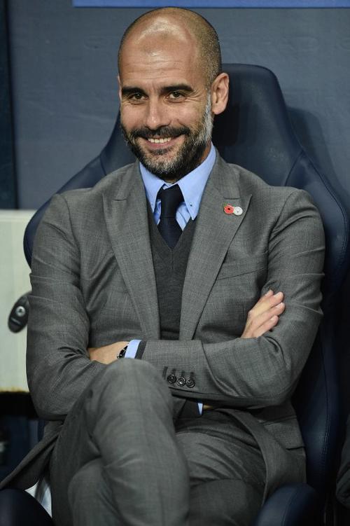 Sí, Pep sonríe porque no cualquiera le da un baile al Barcelona. (Foto: AFP)