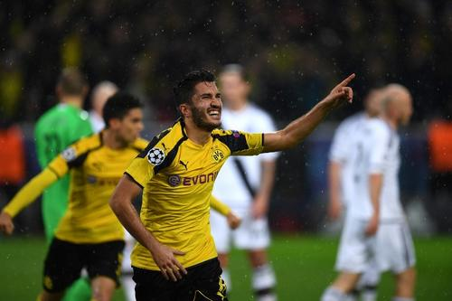 Nuri Sahin celebra el tercer gol del partido. (Foto: AFP)