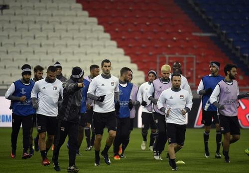 Los jugadores del Lyon irán súper motivados: si ganan al Sevilla, pasan. (Foto: AFP)