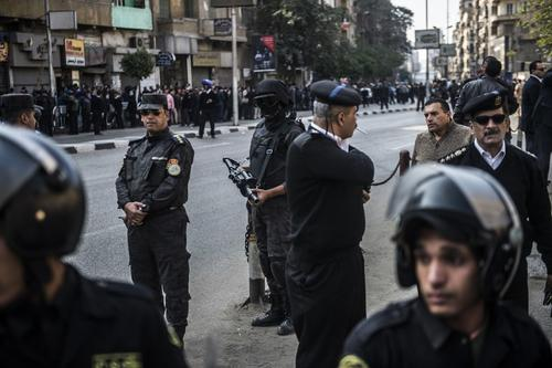 Esta es la seguridad afuera de la Iglesia copta ortodoxa luego del ataque. (Foto: AFP)