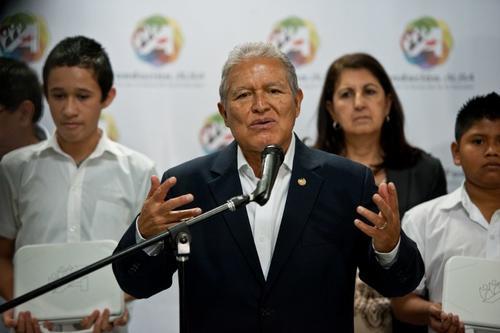 Salvador Sánchez Cerén es el candidato oficial por el Frente Farabundo Martí para la Liberación Nacional. Foto AFP