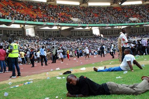 A la feria del empleo fueron invitadas más personas de las que en realidad se podían atender denunciaron organizaciones sociales de Nigeria. (Foto:AFP)