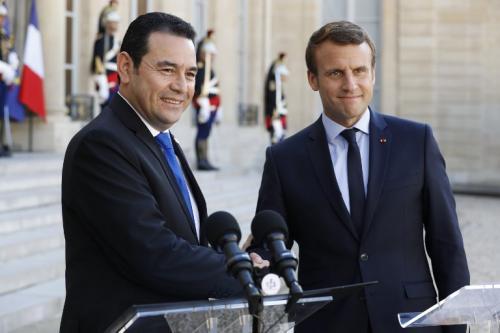 Jimmy Morales se encuentra de visita en Francia. (Foto: AFP)