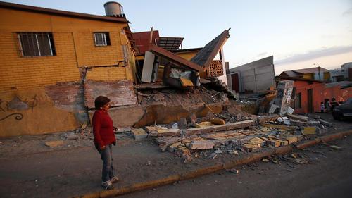 Las primeras evaluaciones dan cuenta del daño a por lo menos 2 mil 500 viviendas. (Foto:Efe)