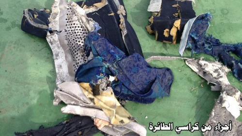Hisham Abdelhamid, jefe del Departamento de Medicina Forense de Egipto negó, por su parte, las informaciones filtradas que apuntaban que el reducido tamaño de los restos encontrados podría ser un indicativo de que se había producido una explosión. (Foto: @michaelh992)