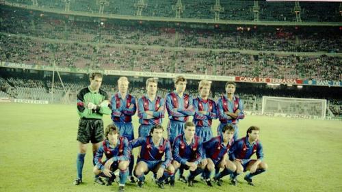 Este fue el equipo titular del Barcelona que en 1990 enfrentó por última vez a la Real Sociedad por un juego de Copa del Rey. (Foto: Arxiu/FCB)