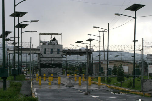 """""""El Chapo"""" Guzmán fue trasladado hacia la cárcel de máxima seguridad del Altiplano; la misma prisión en donde fue recluido en 1993 cuando fue capturado por primera vez (Foto: Archivo)"""