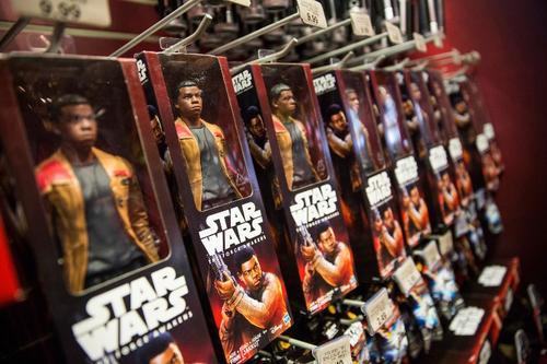 """""""Star Wars"""" tiene una base de fanáticos de varias generaciones."""