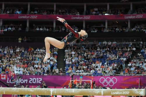 Ana Sofía Gómez en la viga de equilibrio en los Juegos Olímpicos de Londres 2012. (Foto: Nuestro Diario)