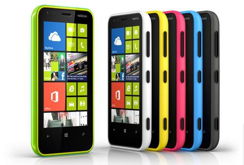 Los smartphones de Nokia no lograron competir con los teléfonos de Samnsung y Apple; por esta razón Microsoft adquirirá esta sección de la empresa finlandesa para mejorar su participación en el mercado (Foto: Archivo)