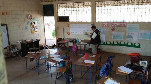 El maestro Arrecis fue atacado en el interior de su salón de clases. (Foto: Facebook/ Multivisión Canal 3)