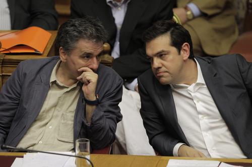 Tsipras dice que tuvo que elegir entre acuerdo, quiebra o salida del euro. (Foto: EFE)