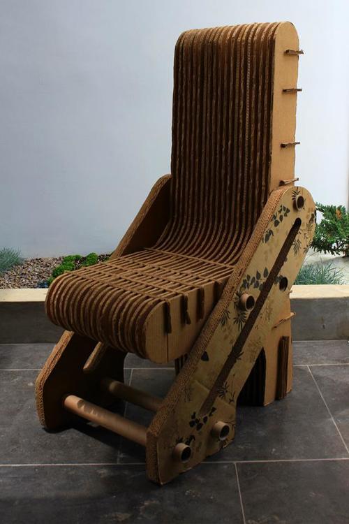 Silla de cartón corrugado, soporta hasta 350 libras, elaborado por Rita Chajón para Elysian. (Foto: Elysian gt)