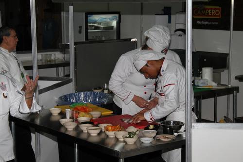 La competencia Junior Chef es una de las actividades que más audiencia tiene en la Feria. (Foto Facebook Alimentaria Guatemala)