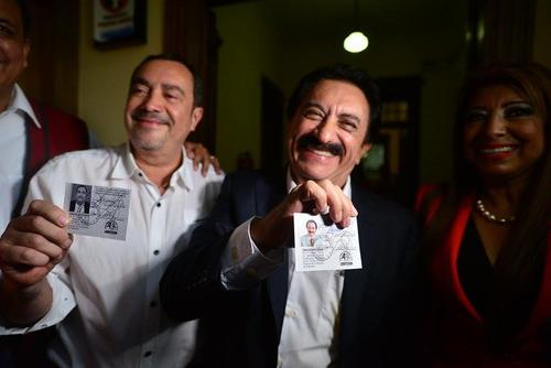 Los candidatos a binomio presidencial del partido Patriota ya recibieron sus credenciales. (Foto: Wilder López/Soy502)