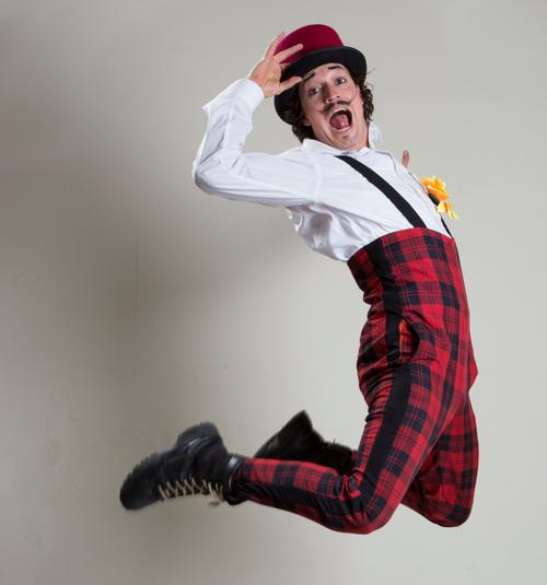Panchorizo hace circo, teatro, malabares, acrobacias y comedia clown. (Foto: Panchorizo)