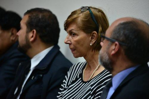 Lucrecia de Palomo, viuda del abogado asesinado, cruzó miradas con el banquillo de los acusados. (Foto: Wilder López/Soy502)