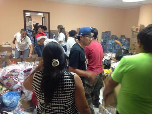 Los centros de acopio recibieron gran apoyo de los guatemaltecos. (Foto Fredy Hernández/Soy502)