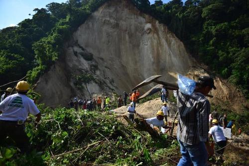 El deslizamiento en El Cambray ocurrió en octubre de 2015. (Foto: Archivo/Soy502)