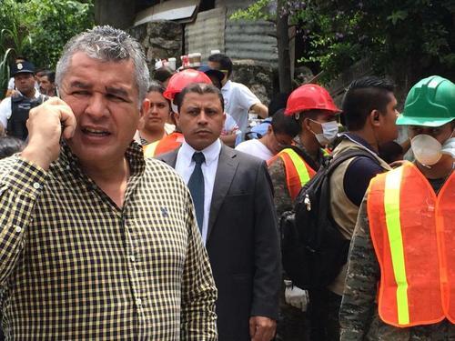 Javier Hernández gestionó vía telefónica la ayuda. (Foto Roberto Caubilla/Soy502)