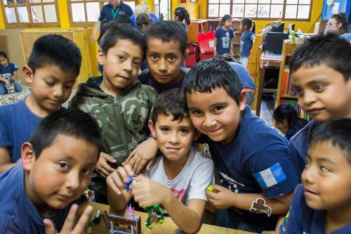 El juego ha sido el idioma común entre los niños. (Foto Camino Seguro)