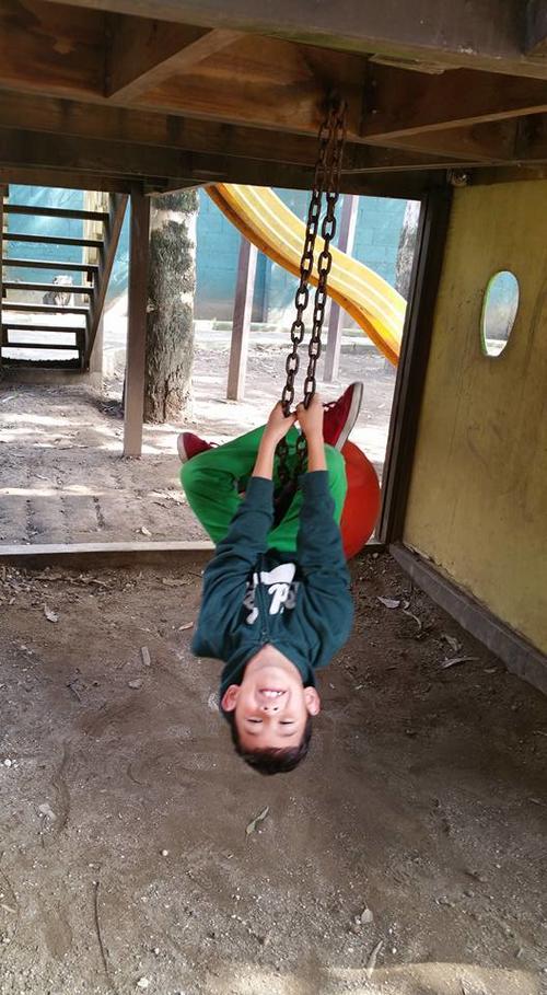 El pequeño de gran corazón también se ha divertido cumpliendo su sueño y conociendo Guatemala. (Foto Shari Stocker)