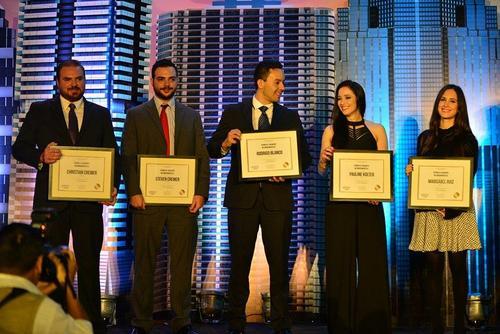 Todos los nominados en la categoría recibieron su diploma. (Foto: Wilder López/Soy502)