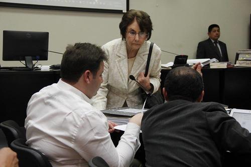 Beatriz Ofelia de León, ex presidenta de la CSJ, también aparece como sindicada. El MP asegura que ella amenazó a la doméstica de la pareja y ayudó a su hijo Roberto Barreda a destruir evidencia. (Foto: Jorge Sente/Soy502)