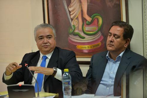 Gustavo Alejos, durante la audiencia, junto a su abogado. (Foto: Wilder López/Soy502)