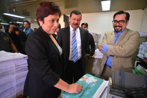 Mirma Figueroa no asistió al Congreso por acompañar a su exesposo, Antonio Coro, en la Torre de Tribunales. (Foto: Wilder López/Soy502)