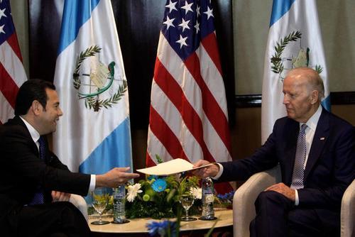 Será el tercer encuentro entre Guatemala y EE.UU. desde que Morales tomó posesión. (Foto: Esteban Biba/EFE)