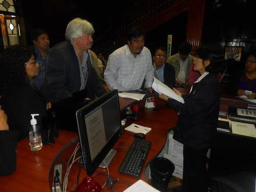 El documento fue entregado en la Secretaría Privada y en la Secretaría General de la Presidencia. (Foto: Congcoop)
