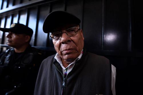 Manuel Benedicto Lucas García, hermano del fallecido expresidente Fernando Romeo Lucas García, es uno de los procesados por el caso. (Foto: Archivo/Soy502)