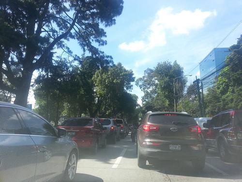 El cierre de un sector de la Avenida Reforma por el incidente generó intenso tráfico vehicular por varias horas